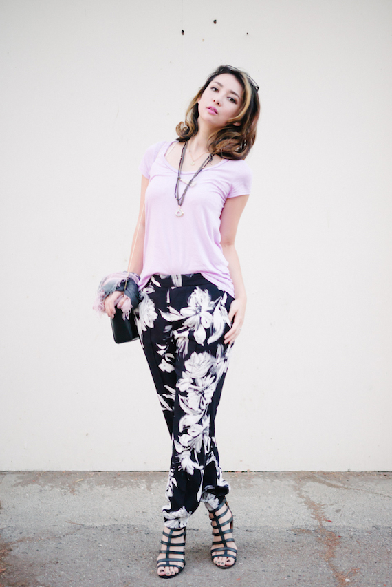 singapore_fashion_blogger_blackwhite_floralpants1