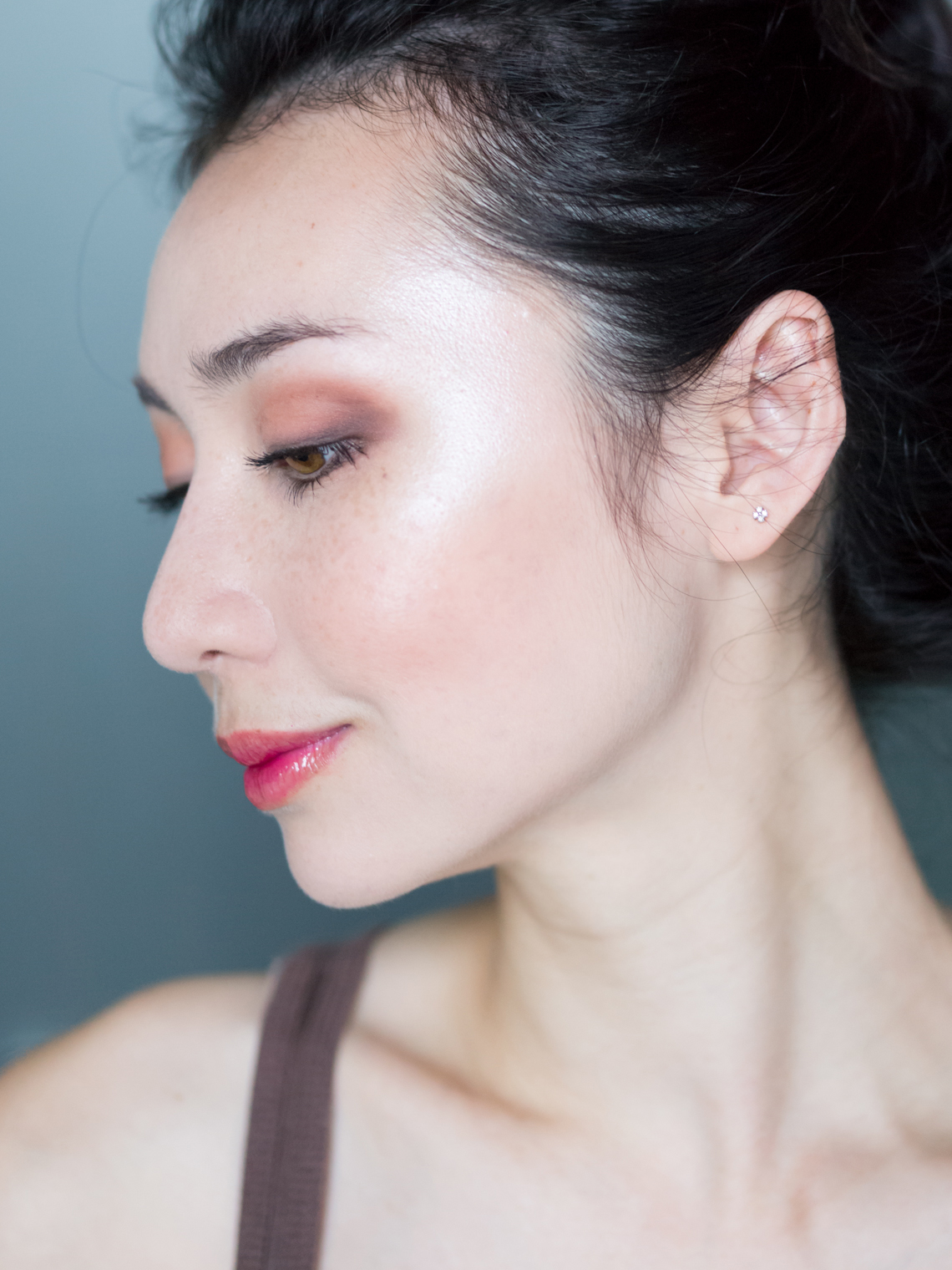 singaporebeautyblogger_emilyloke_canmake_highlighter_review2