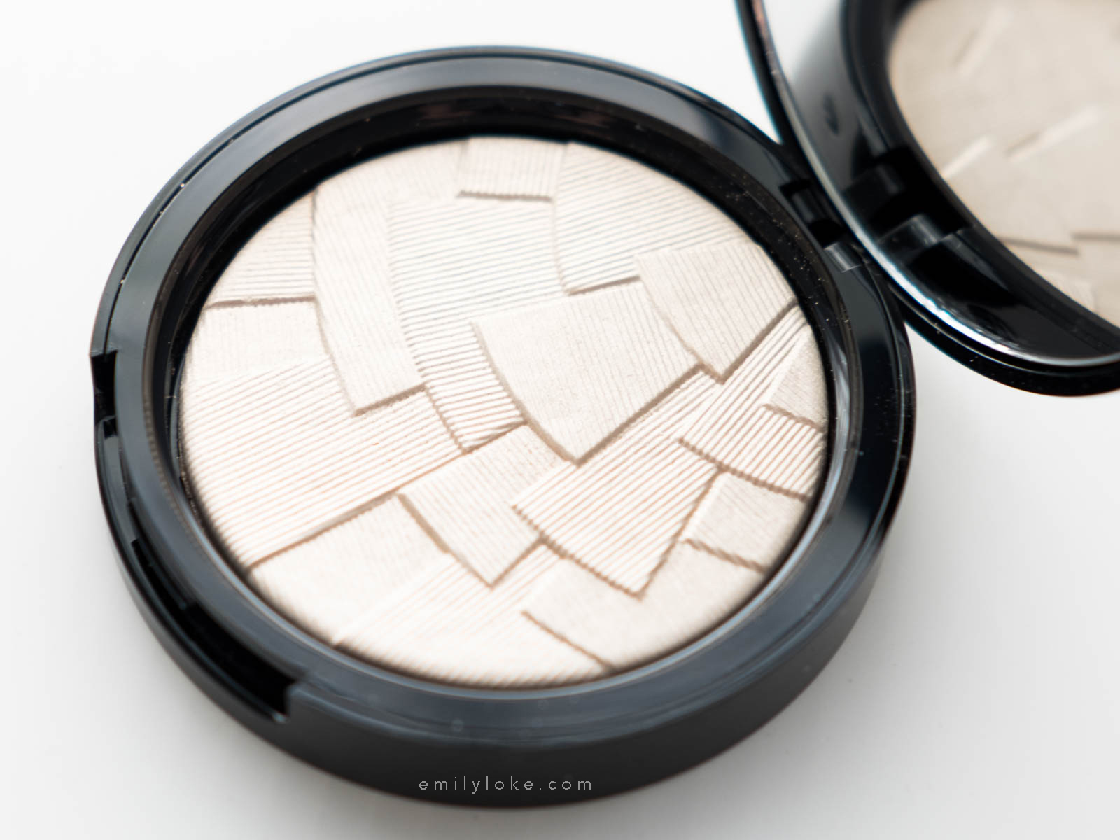 Anastasia Beverly Hills Starlight 2