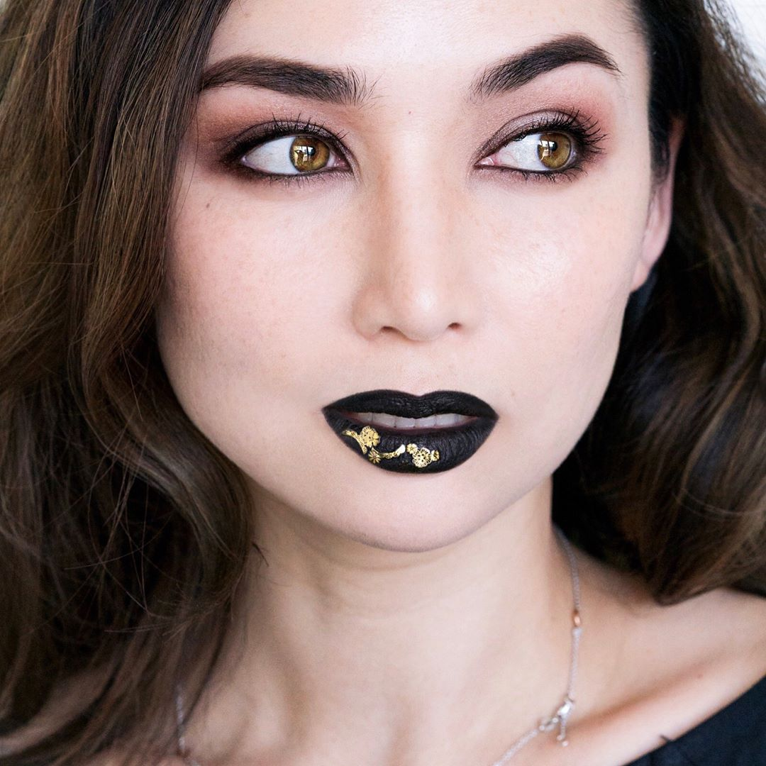 Have you guys seen the new makeupforeversg contest? Just createhellip