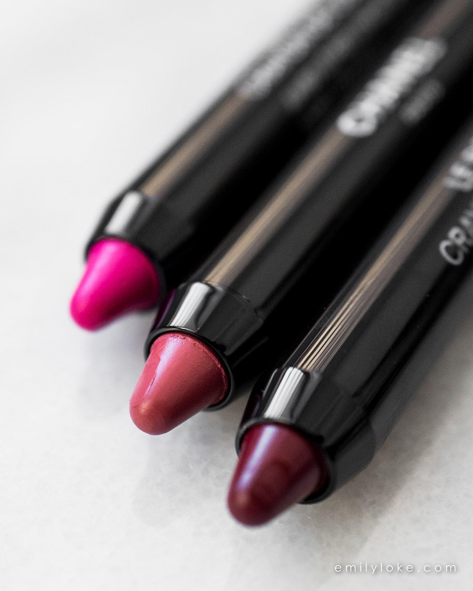 Chanel Le Rouge Crayon de Couleur 2